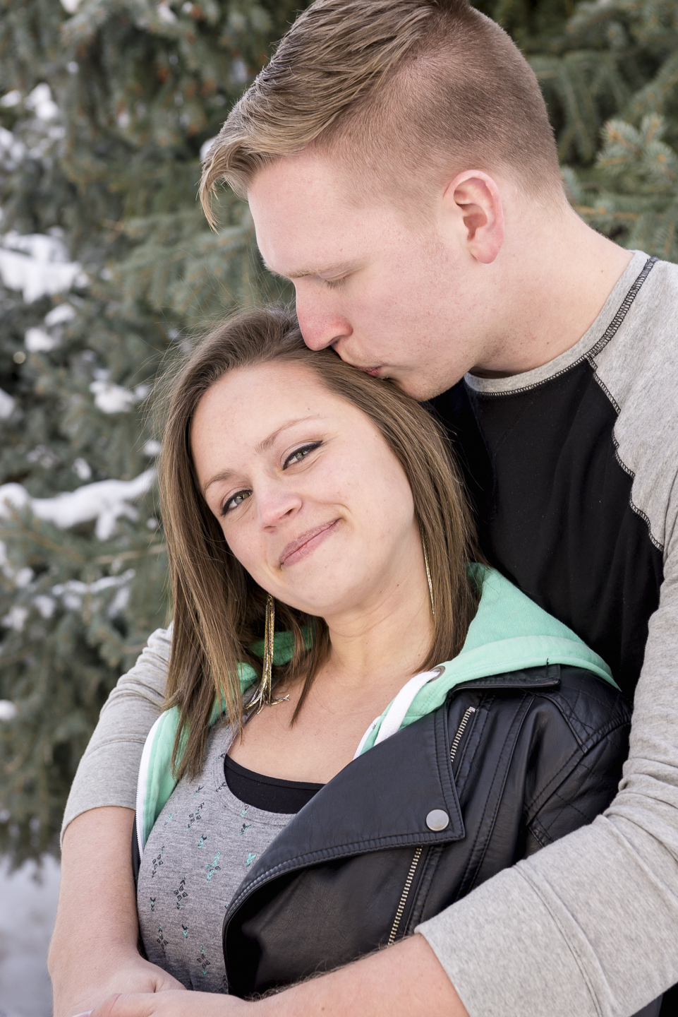 savage_couple_portrait_snow_pine_utah_Christin-3.jpg