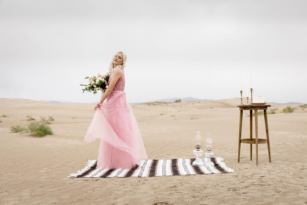 sand_dunes_pink_utah_fashion_bridal-6.jpg