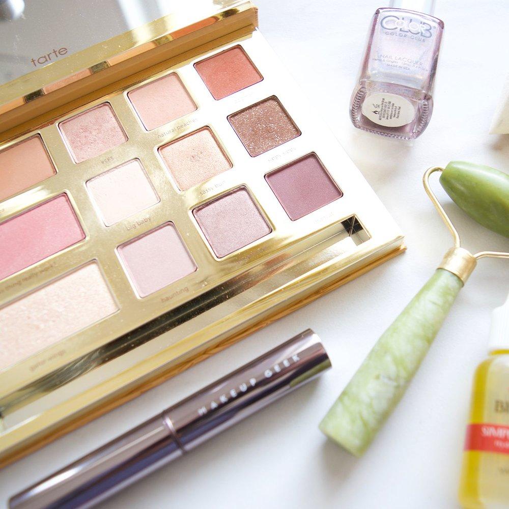 makeup flatlay | beauty products | tarte grav3yard girl | makeup geek lipstick | mercuteify
