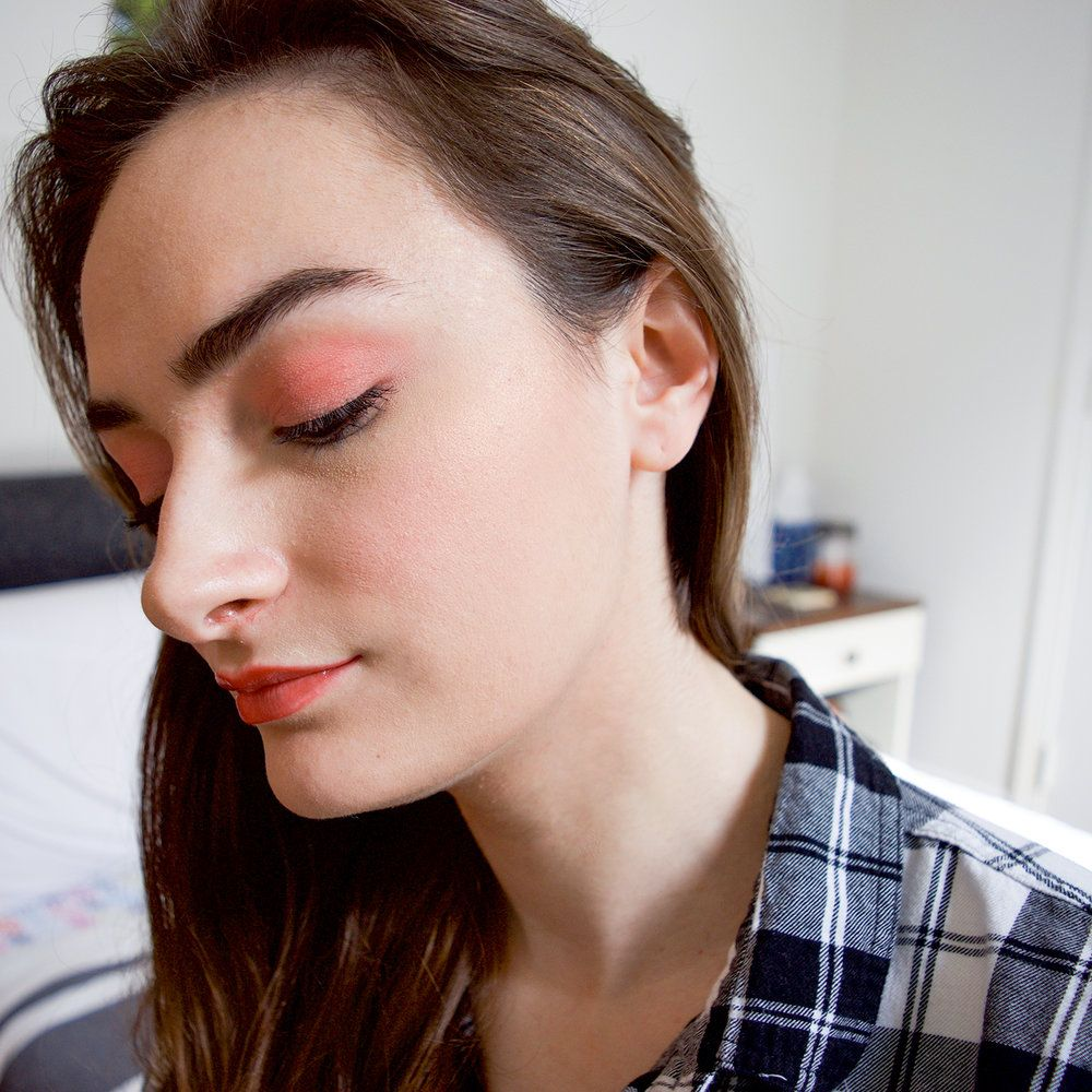 shimmer blush | pink makeup | pink eyeshadow | glow | moody | shadow | portrait
