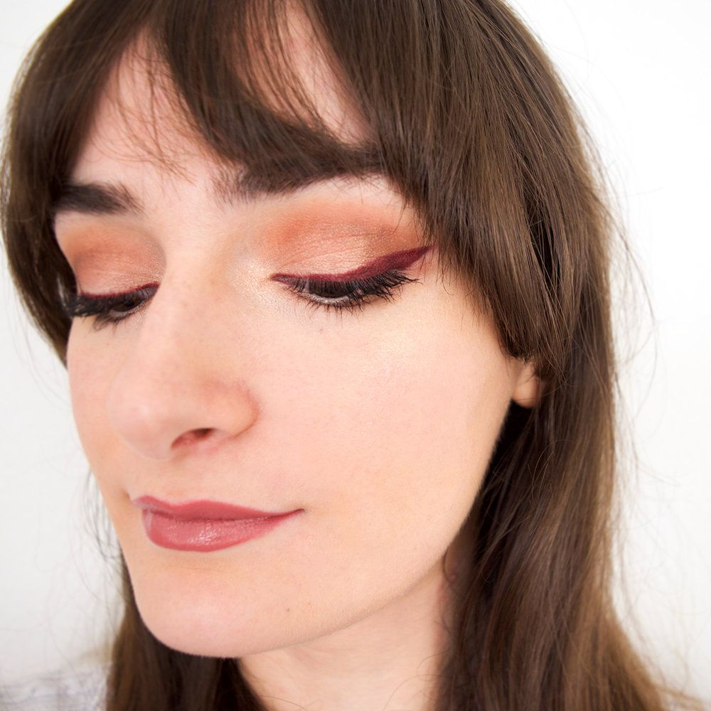 fall makeup | fall eyeshadow | burgundy makeup | winged liner | cat eyeliner | mercuteify
