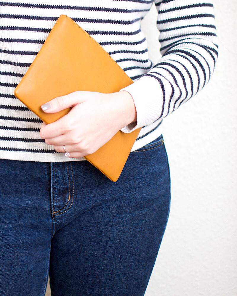 madewell-leather-pouch-clutch-cider-mercuteify.jpg