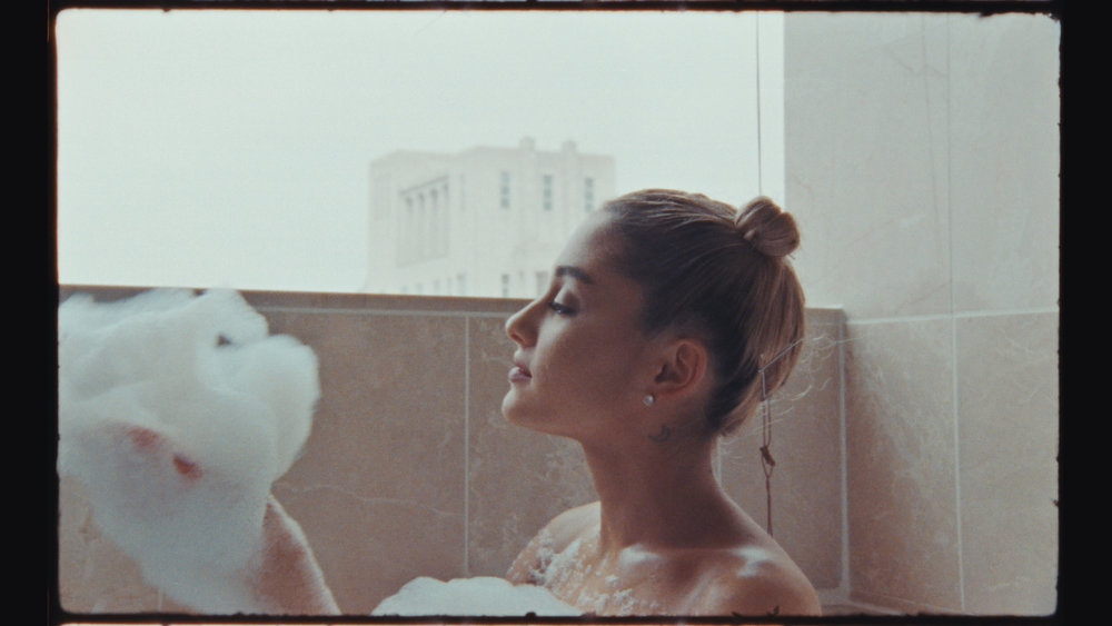 VOGUE_ARIANA GRANDE_GRADED.00_00_20_16.Still004.jpg