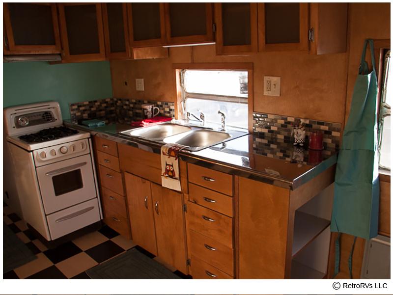 52-Spartanette-Kitchen-Closeup_cr.jpg