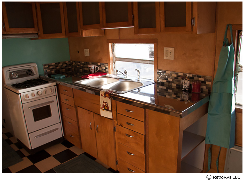 52-Spartanette-Kitchen-Closeup_cr.jpg