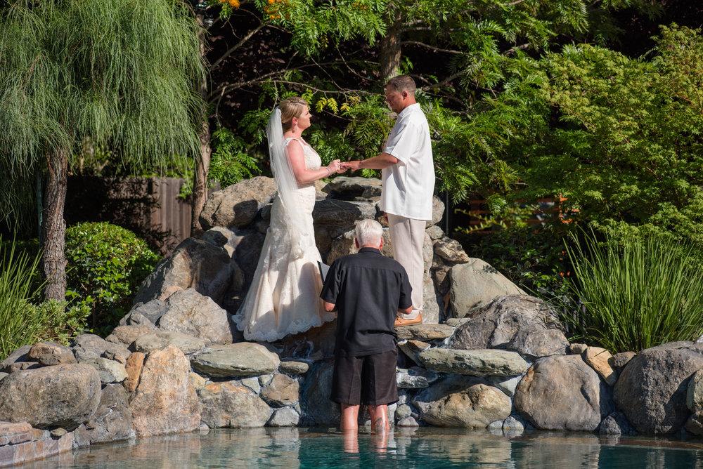 kirsten-jay-054-diy-backyard-sacramento-wedding-photographer-katherine-nicole-photography.JPG