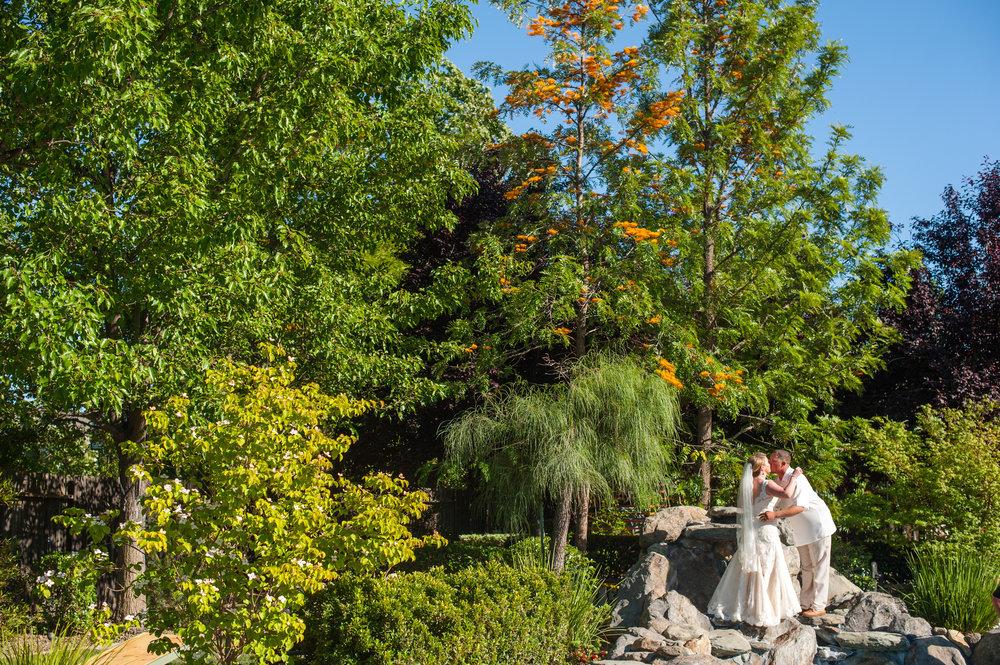 kirsten-jay-056-diy-backyard-sacramento-wedding-photographer-katherine-nicole-photography.JPG