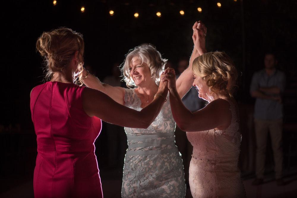 kirsten-jay-080-diy-backyard-sacramento-wedding-photographer-katherine-nicole-photography.JPG