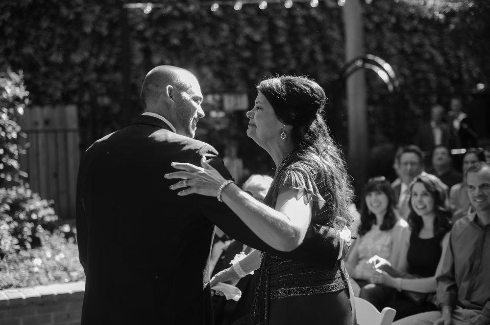 jenelle-brian-001-courtyard-d'oro-old-sacramento-wedding-photographer-katherine-nicole-photography018.JPG