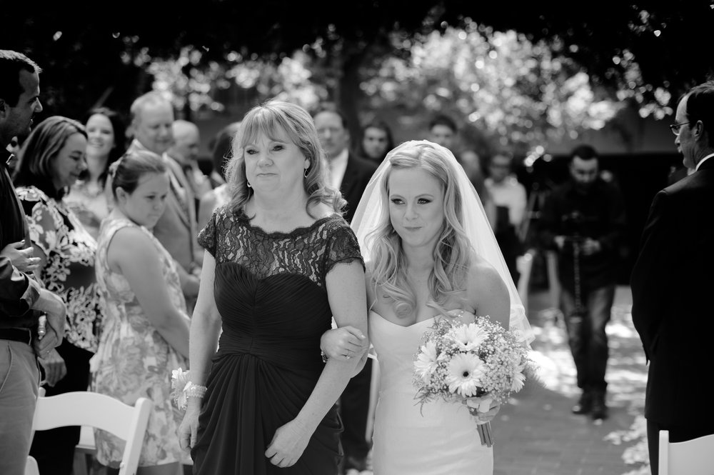 jenelle-brian-001-courtyard-d'oro-old-sacramento-wedding-photographer-katherine-nicole-photography021.JPG
