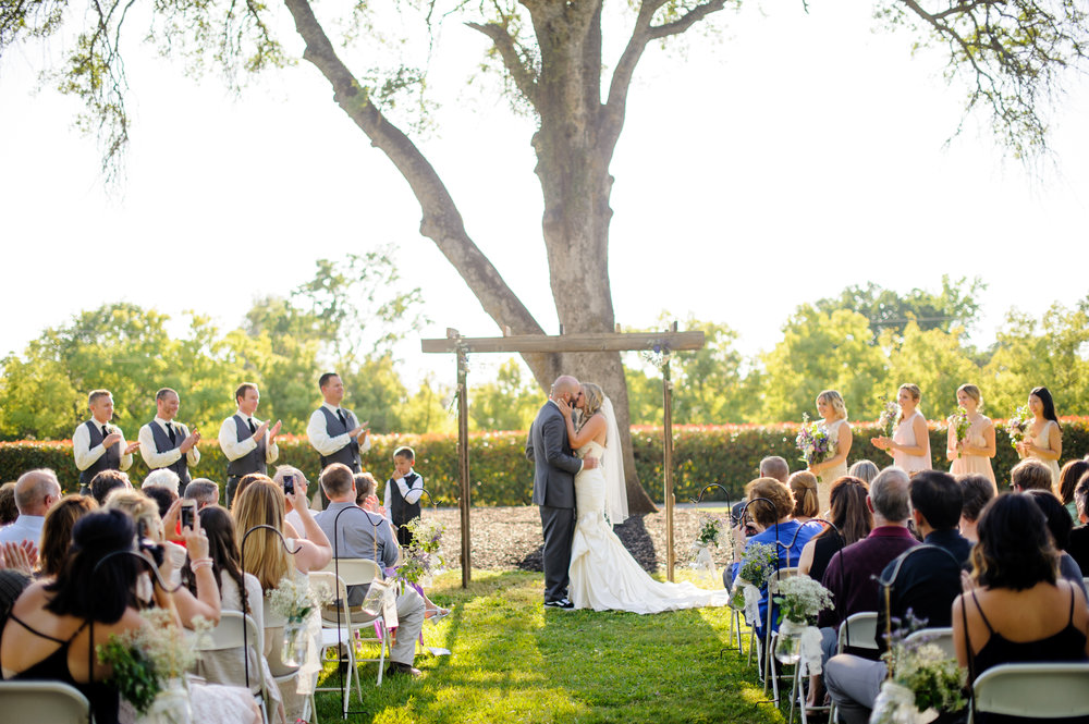lindsey-alex-020-backyard-sacramento-wedding-photographer-katherine-nicole-photography.JPG