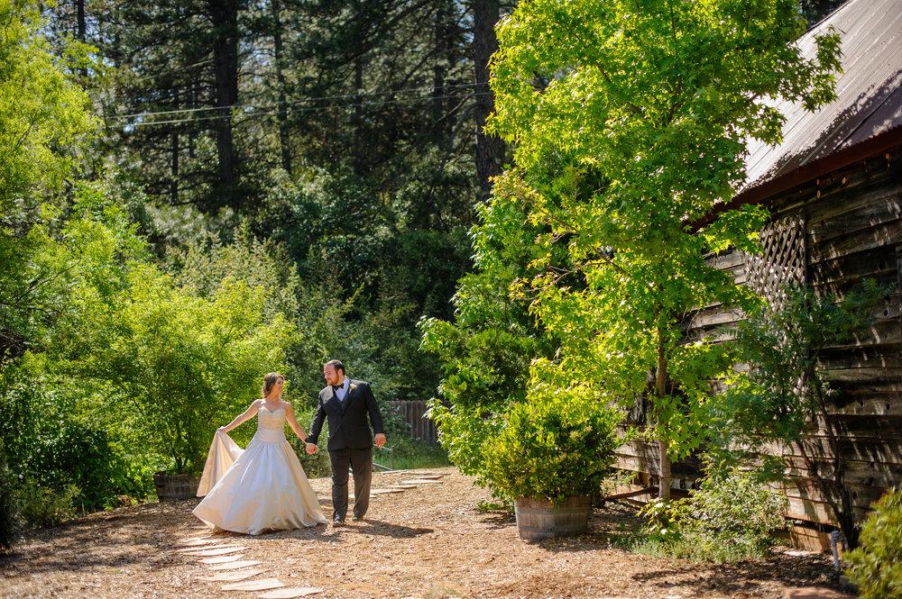 lindsey-charlie-051-monte-verde-inn-foresthill-wedding-photographer-katherine-nicole-photography.JPG