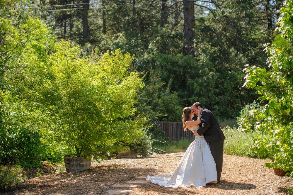 lindsey-charlie-059-monte-verde-inn-foresthill-wedding-photographer-katherine-nicole-photography.JPG
