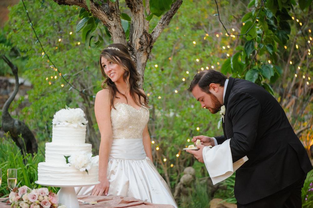 lindsey-charlie-090-monte-verde-inn-foresthill-wedding-photographer-katherine-nicole-photography.JPG