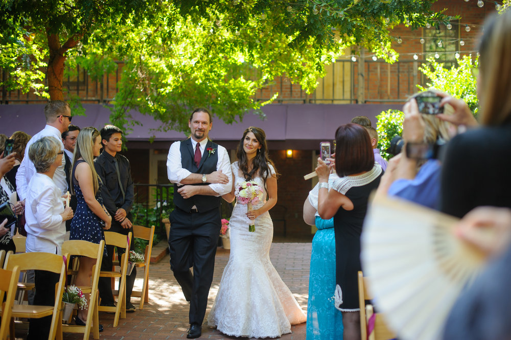 beth-mark-013-courtyard-d'oro-old-sacramento-wedding-photographer-katherine-nicole-photography.JPG
