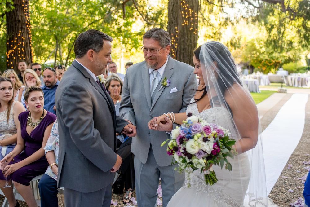 erika-seth-017-monte-verde-inn-sacramento-wedding-photographer-katherine-nicole-photography.JPG
