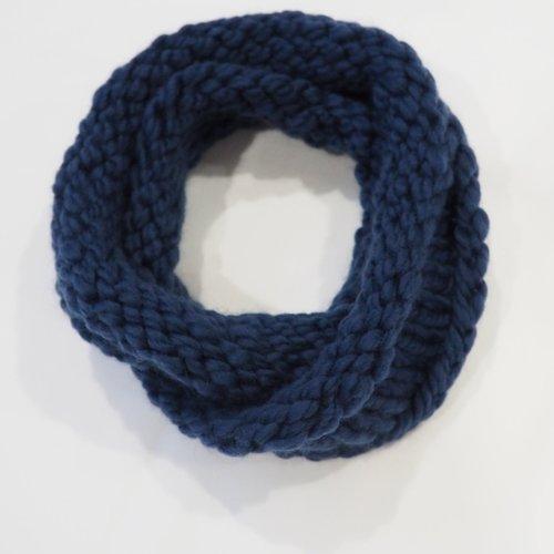 Hand Knit Chunky Circle Scarf Navy