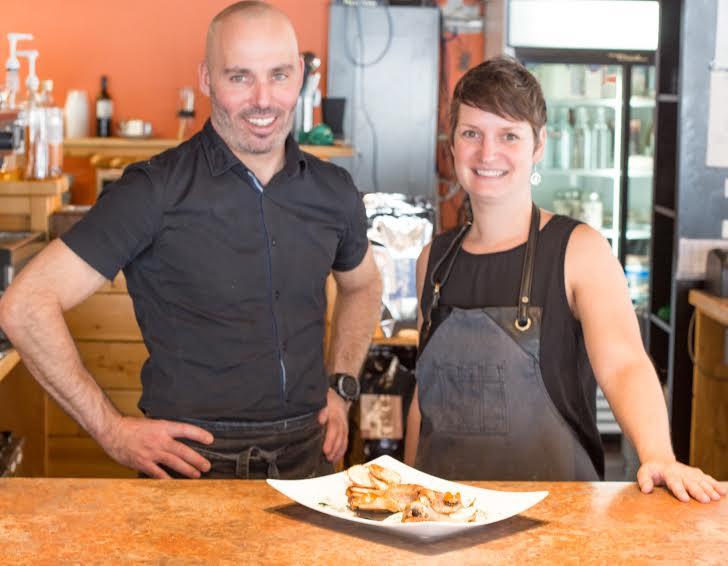 Anthony et Valerie au restaurant.jpg