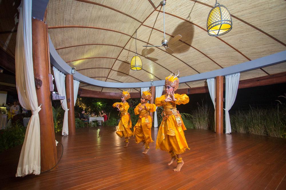 dancers06.jpg