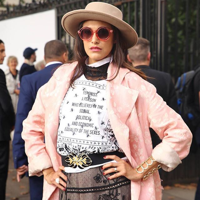 Paris FW Street Style | Captured by @capbylv during #PFW 💕 #paris #france #streetstyle #parisfashionweek #pink #dispurs #fashionweek