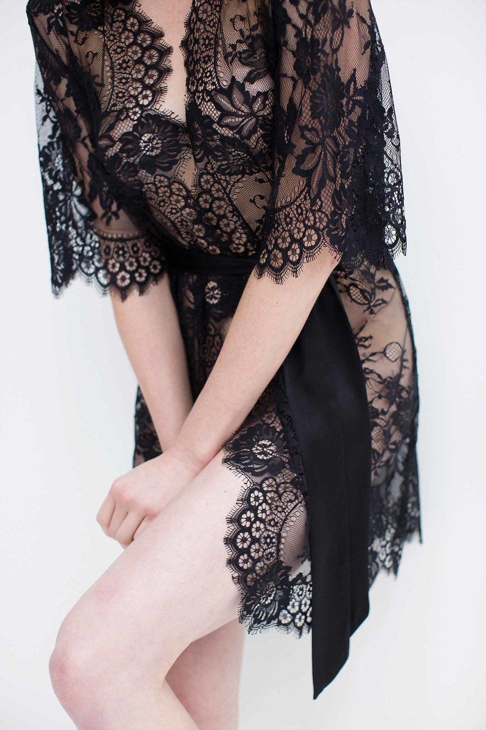 GirlandaSeriousDream Swan Queen lace robe black lingerie addict.jpg