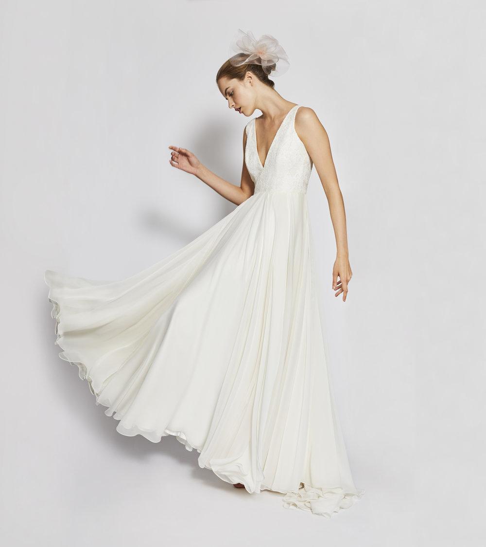 2019-charlie-brear-wedding-dress-arla-2000.36.jpg
