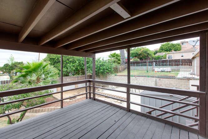 1106 Paraiso Ave Spring Valley-small-013-27-1106 Paraiso Avenue-666x444-72dpi.jpg