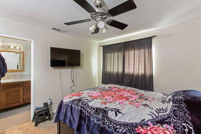 1106 Paraiso Ave Spring Valley-small-021-6-1106 Paraiso Avenue-666x444-72dpi.jpg