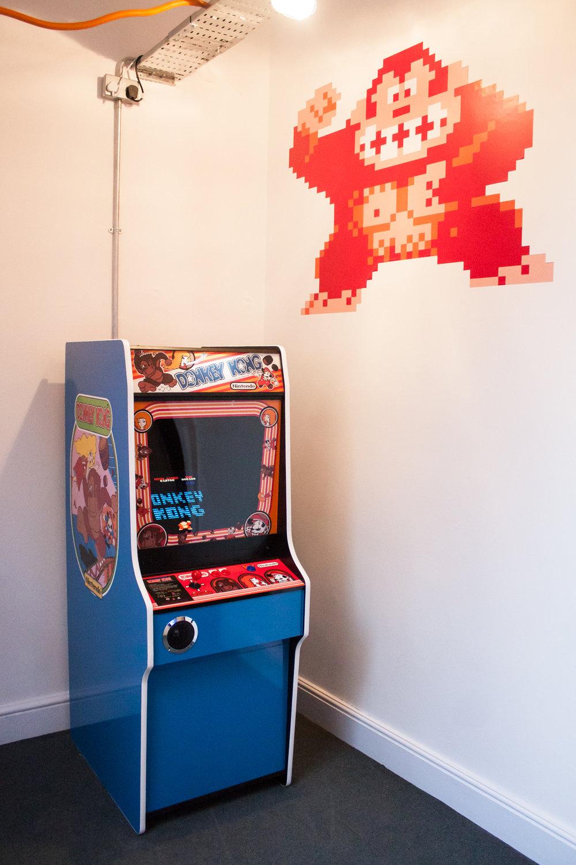 Eve-donkey kong arcade.jpg