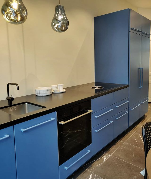 Dreaming of blue today at our Copenhagen store  #kitchendesign #cphsquare #nordicdesign #nordichome #scandinaviandesign