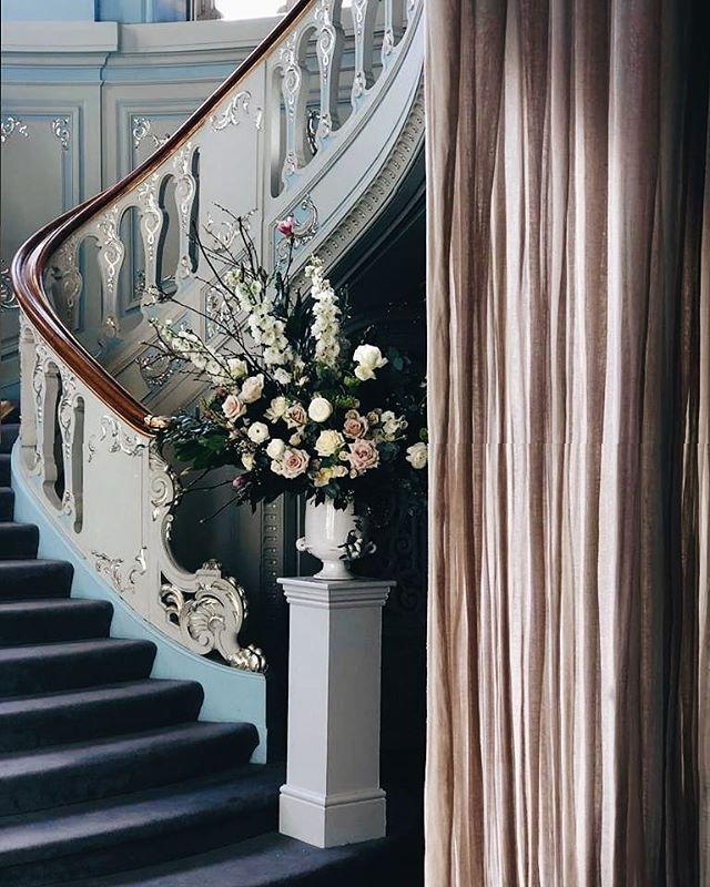 An elegant white & green wedding at the Savile Club.