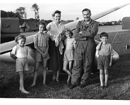 tn-The-family-Kearon-at-Lasham.jpg