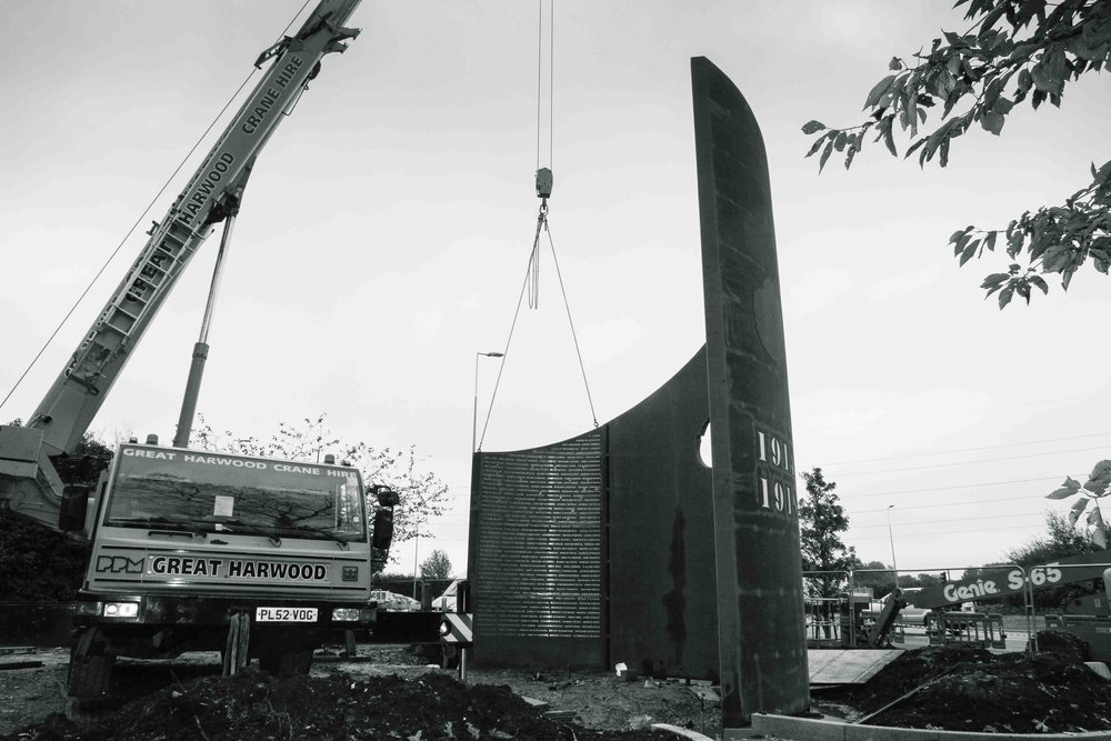 DP_Structures_War_Memorial_install_BW05_1.JPG