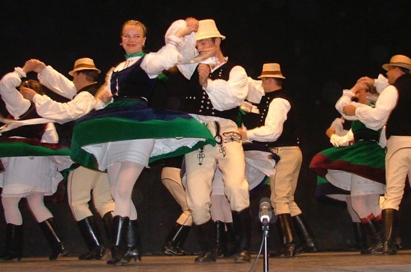 """2005 REGÖS Ungarisches Folklore Ensemble """"Tänze aus BENEDEK"""""""