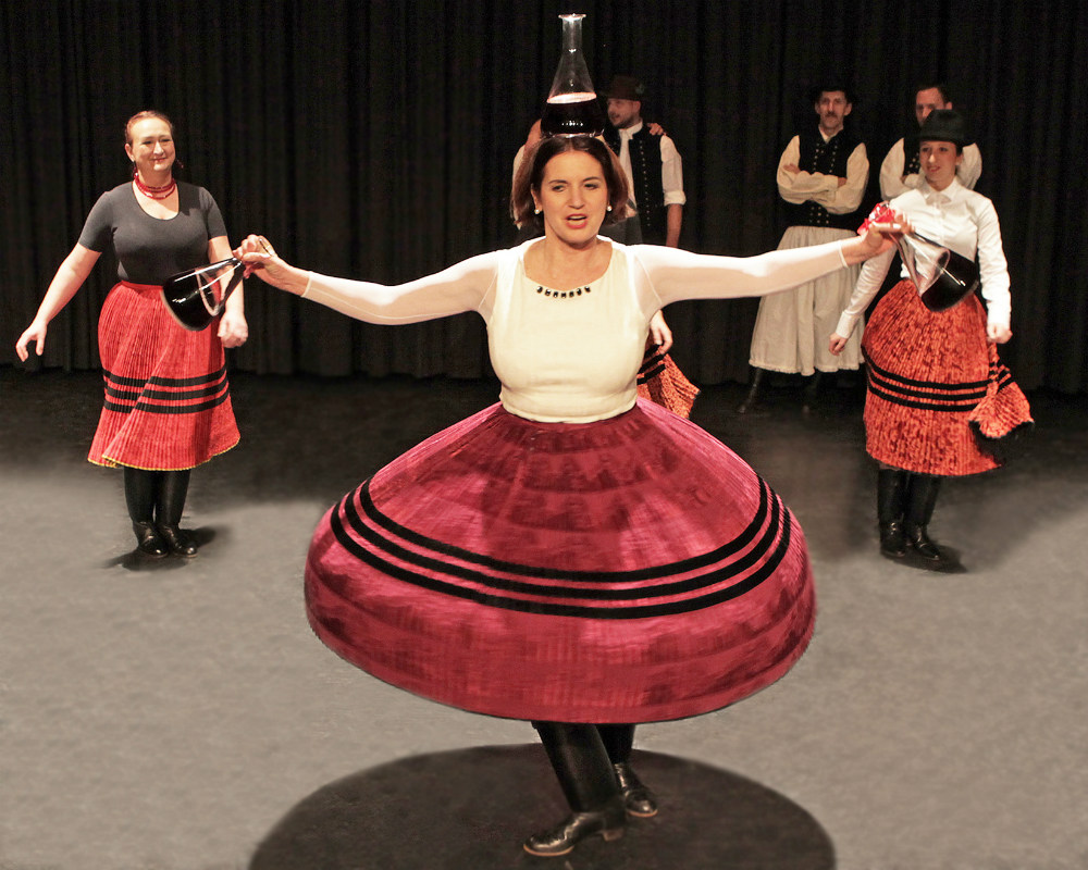 """2015 """"Gänsehaut-Libabör""""  FLASCHENTANZ , ungarische Folklore"""