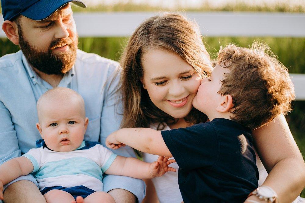 toddler kissing mom Lake Acworth Cauble Park