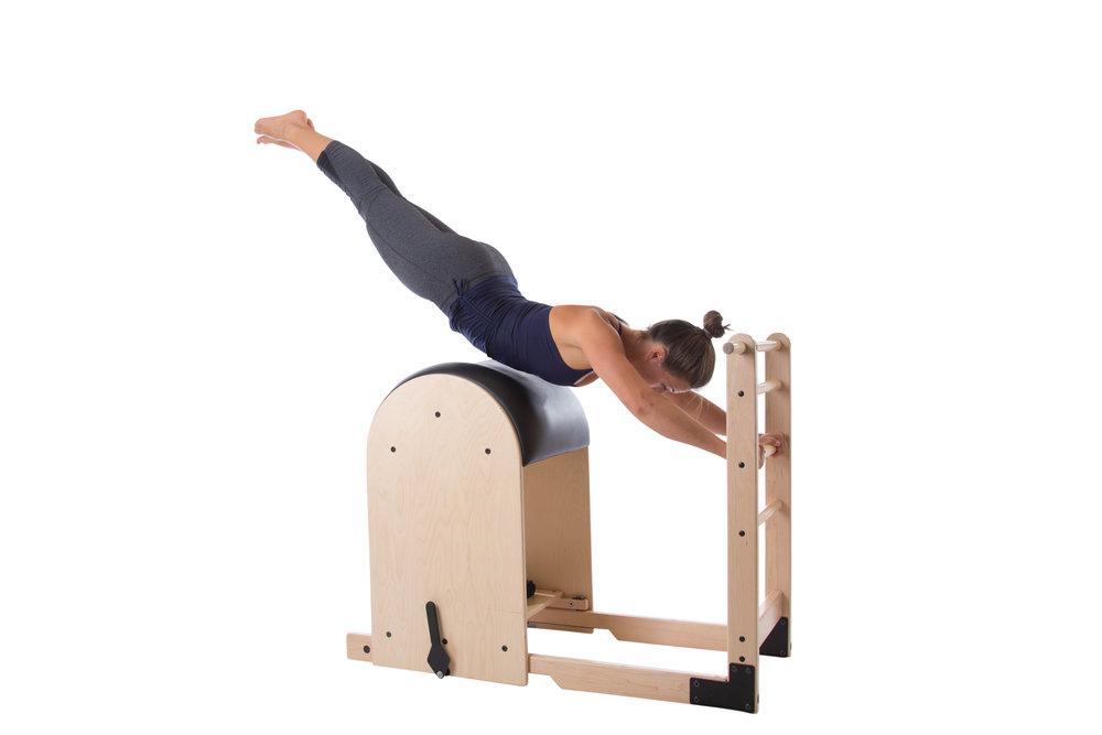 Fliegen auf einem Pilates Gerät? Das gibt es nur auf dem Ladder Barrel.