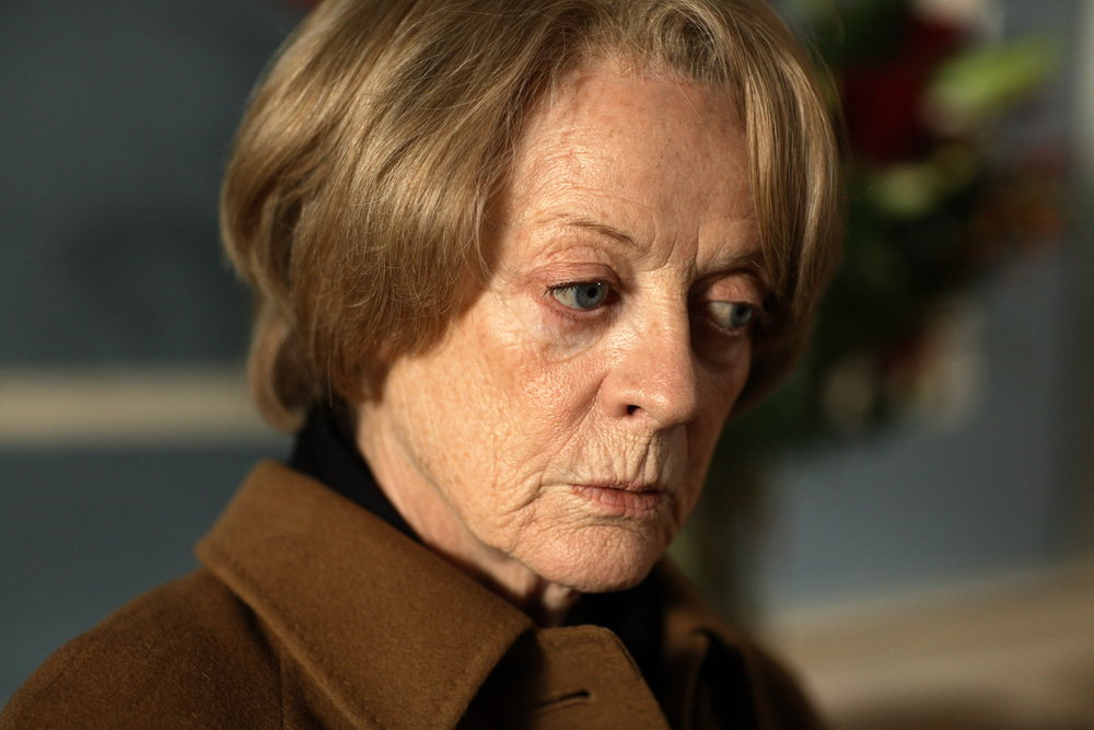 Maggie Smith in Capturing Mary (2007)