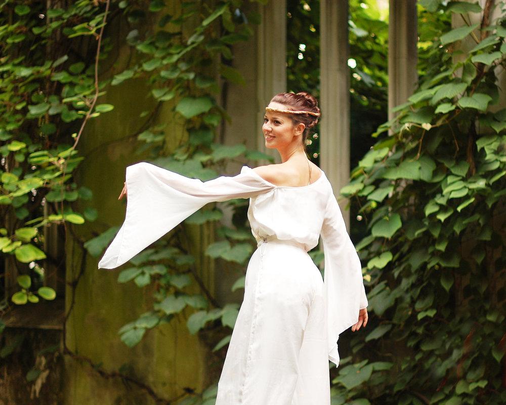 Arcadians, stilt performance 7, Divine Company.jpg