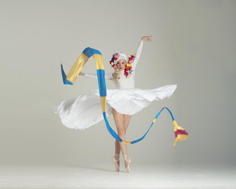 Light Emitting Dance in white 2, Divine Company.jpg