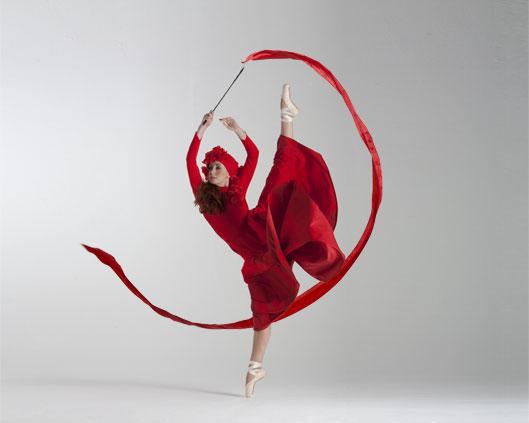Light Emitting Dance in colour 4, Divine Company.jpg