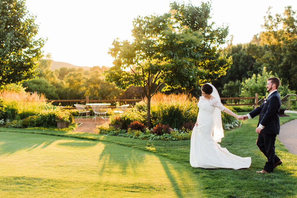 Bride and groom at Eau Claire Country Club in Wisconsin