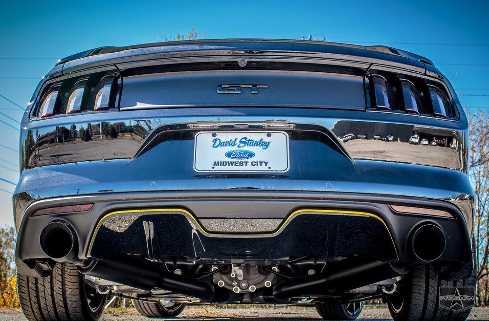 Ford Mustang GT 1.jpg
