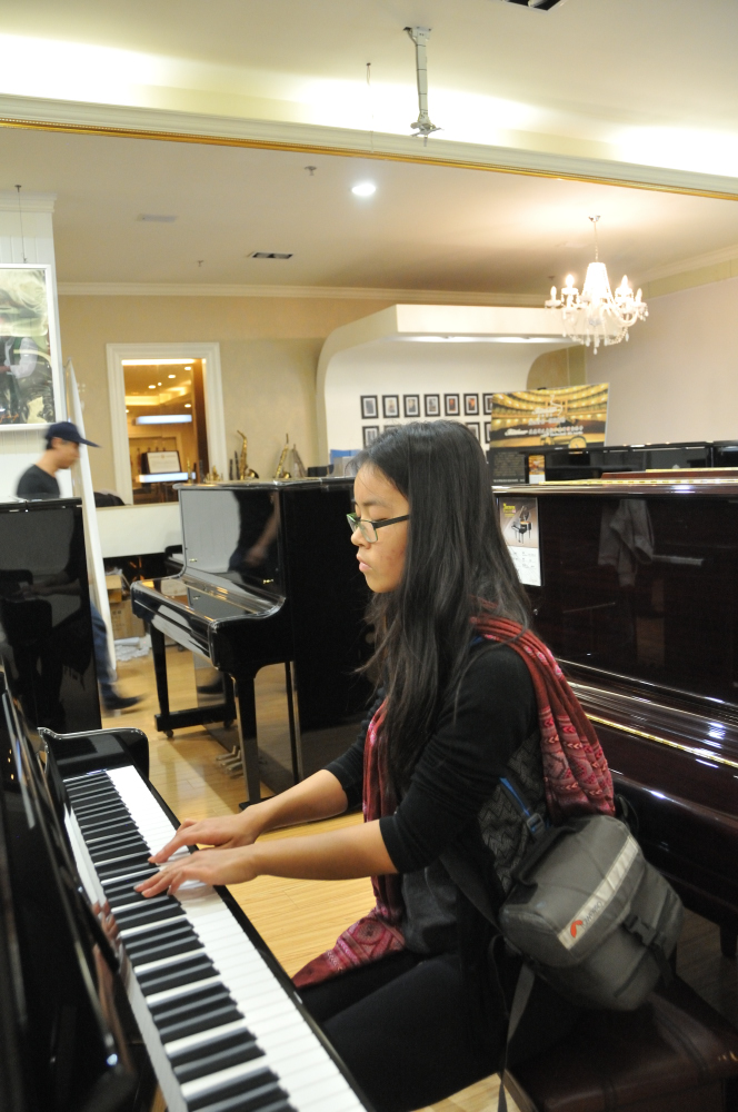 A piano store! We were not made welcome but we stayed a long time. Emma especially, was able to remember most of her pieces. #sharingbeautifulmusic