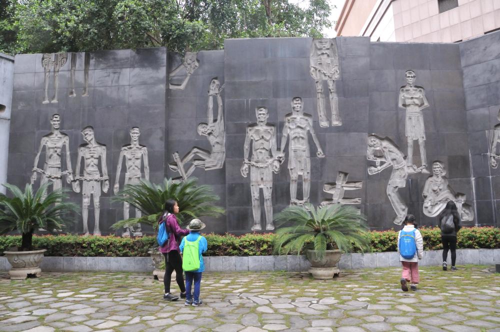 Monument set in Hoa Lo Prison