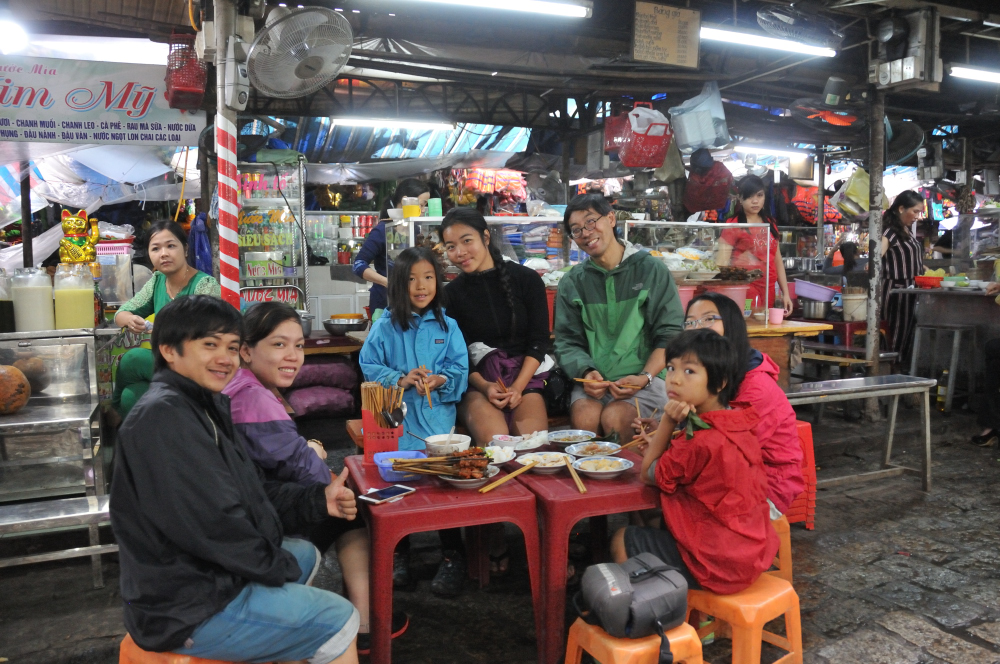 Our friend Minh Minh from HCMC introduced her friend Viet to us.  He and his wife brought us to various places to eat throughout our stay.  Hue is known to have a very unique menu and Viet introduced many of them in which we've never tasted before.  At this vendor, we were able to eat at local's price.  If Viet was not here, the price would double but double is still very low.