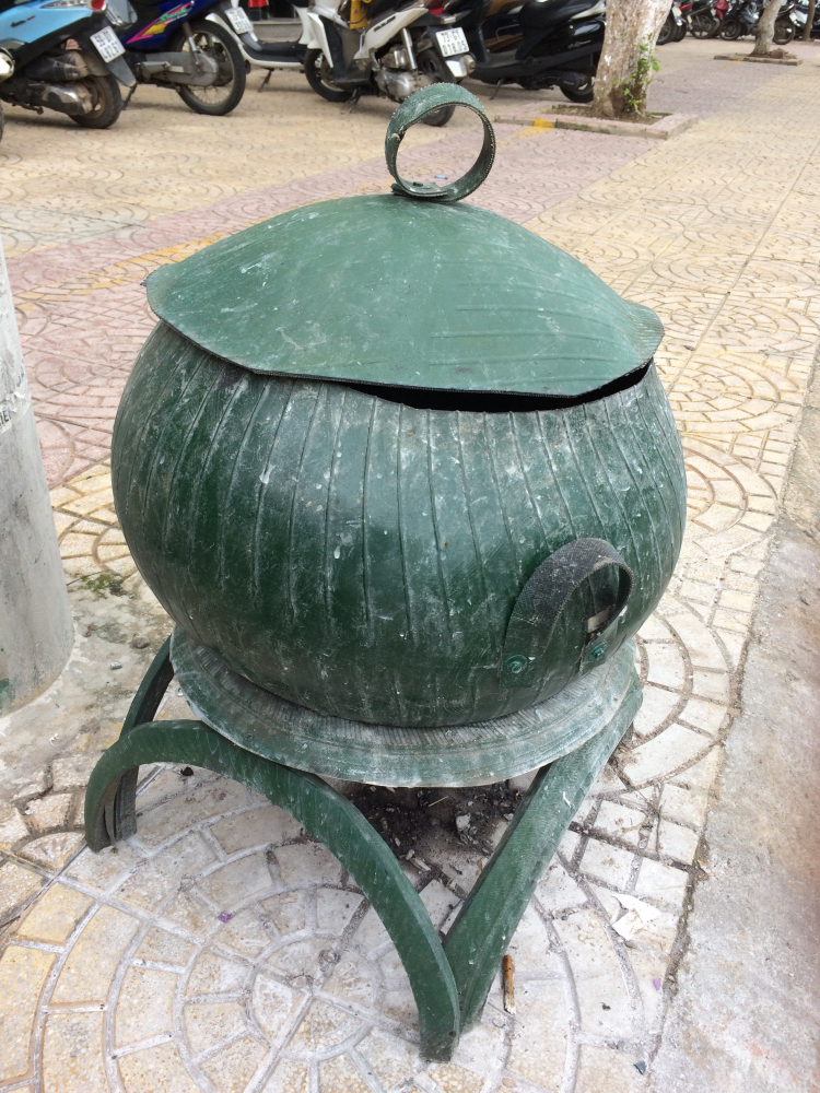 Recycled Tire Garbage Cans.