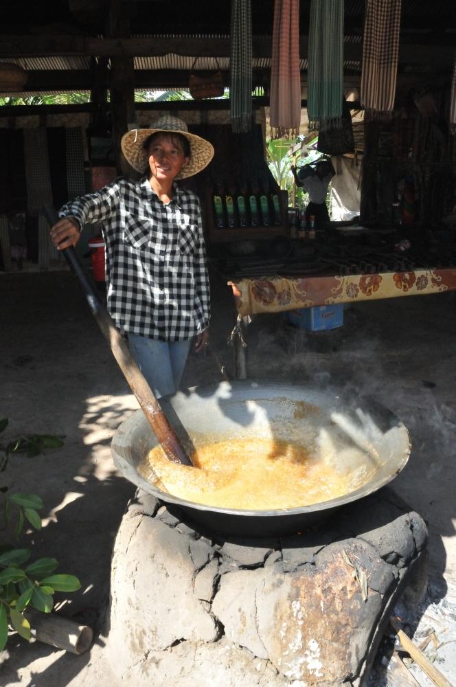 The process of making palm sugar.