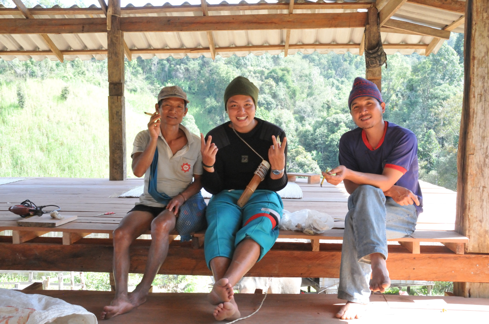 Man on the left is one of the mahout and Foon in the middle was our guide.  He's Karen and from a village further north.  He has invited us to do a homestay with his family where he'll teach us how to hunt with bamboo bow and arrow!  Emma and Eli has signed on.
