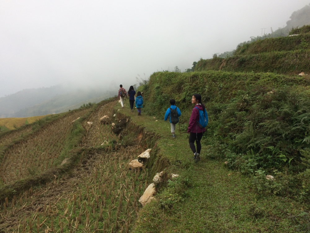 One of the village to village hikes that we did. The guide was surprised with Eli and Lucy's hiking endurance and capability. Mom tried to bravely continue but couldn't :(